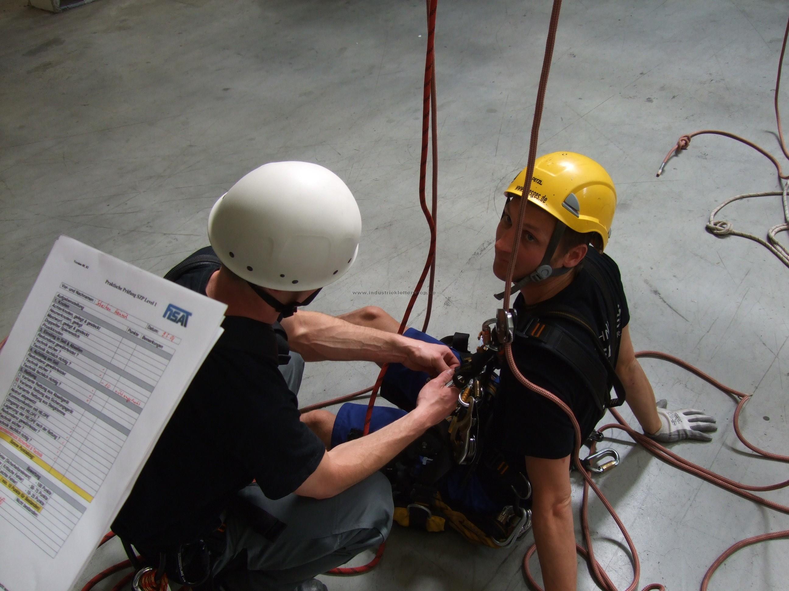 Klettergurt Industrie : Ausbildung zum höhenarbeiter l1 fisat industrieklettershop.de